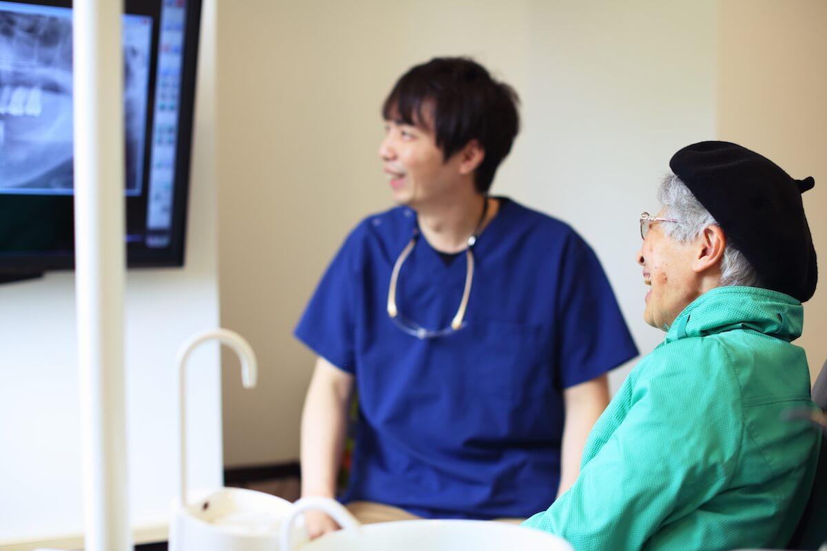 当クリニックのインプラント治療の技術について詳しく解説しています。